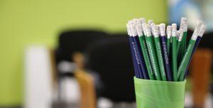 English&Co matite